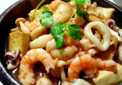 特色海鲜菜谱做法:海鲜豆腐煲做法步骤