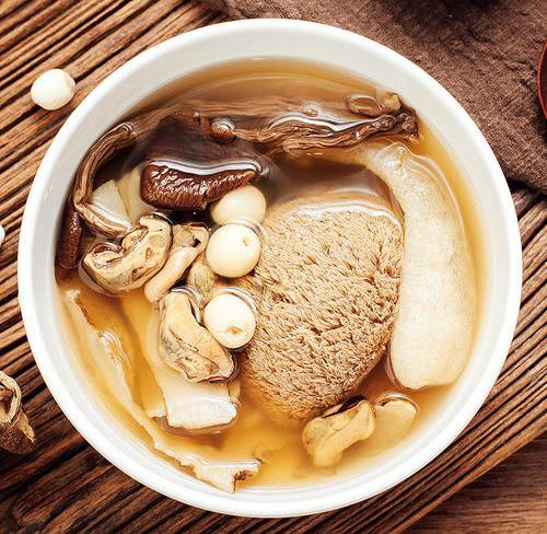 菌菇汤做饭