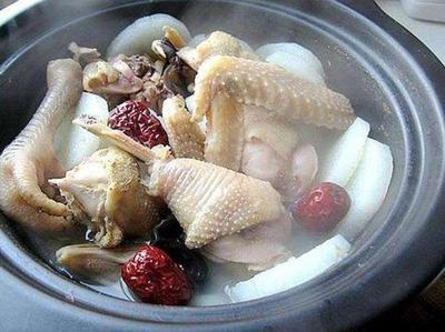 常用秋冬季煲汤药材,滋补汤放什么药材可以补气血