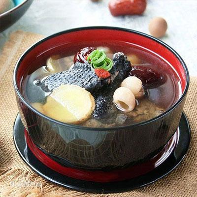 滋补养生乌鸡汤的做法,最有营养的家常炖乌鸡汤做法