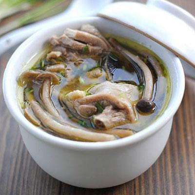 补气养血的茶树菇鸡汤做法,这样做鸡汤好喝又营养